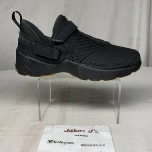 Jordan Trunner LX Mens Shoes Black-Anthracite-Gum